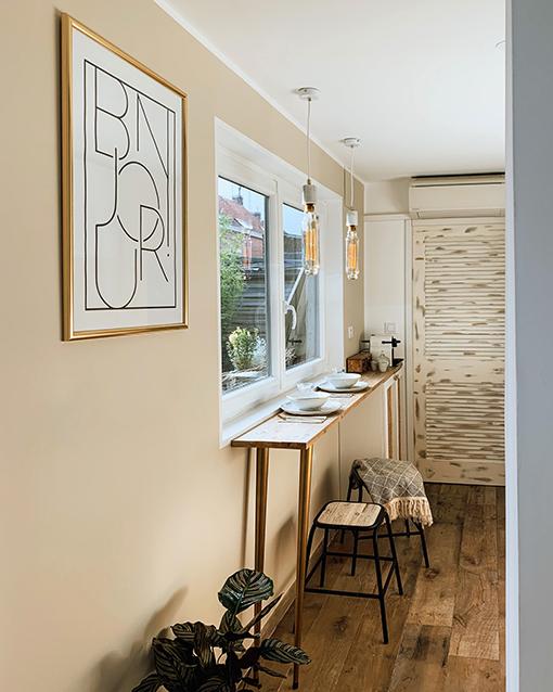 Bar de cuisine avec pied conique doré