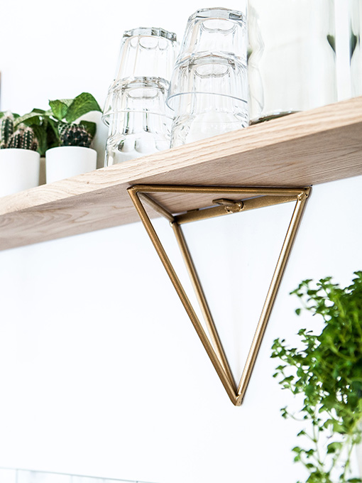 Etagère doré triangle