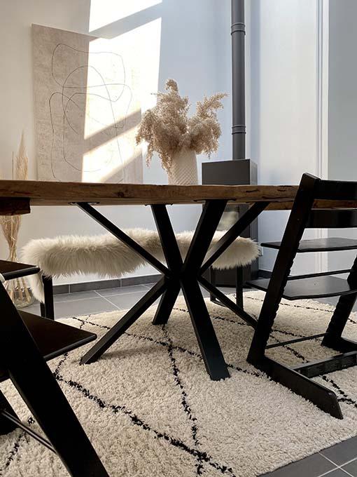 table rectangulaire avec pied V central 1